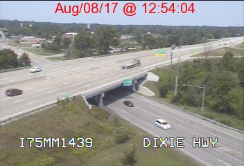 View live I-75 cameras showing traffic in Saginaw County - mlive com